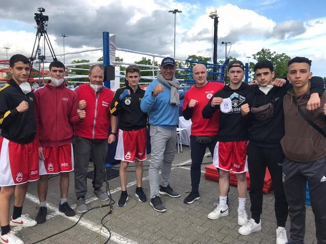 Nachwuchsboxer zu Gast in Brandenburg