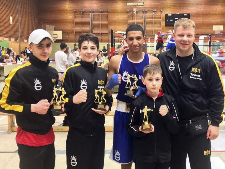 Haxilari schlägt Nationalstaffelboxer, El Mahi den NRW Meister