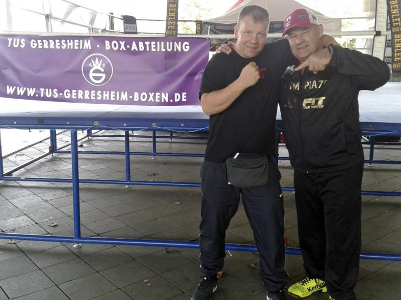 Boxtrainer Steffen Müller und Jo fe Vrieze
